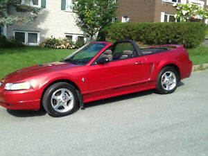 2000 Ford Mustang 4 pneus neuf Cabriolet