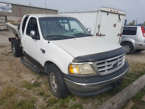 Parting out 1998 Ford F-250 Pickup Truck