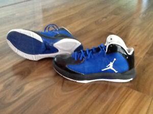 Basketball shoes (mens)