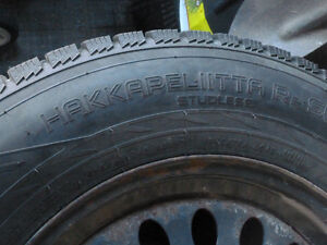 Four 245/65/17 Hakkapeliita (Nokian) R2 SUV Winter tires & rims Peterborough Peterborough Area image 2