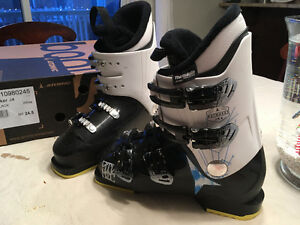 Atomic Waymaker J4 - Youth Ski Boots - 24.5 (~6.5 shoe size)