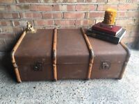 VINTAGE TRUNK CHEST COFFEE TABLE FREE DELIVERY BEAUTIFUL VINTAGE