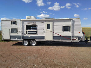 Nice Family trailer with Jack and Jill Bunks