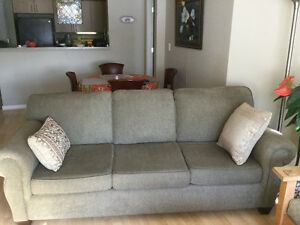 Excellent Condition lovely sofa