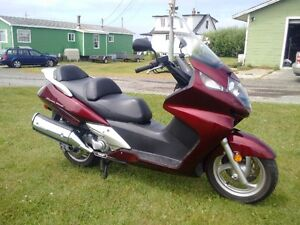 2009 Honda 600 Silver Wing Touring Scooter