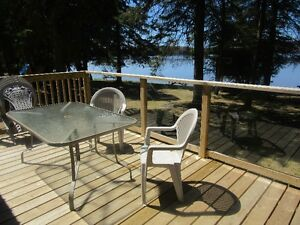 $850/week for 5 Lakefront Cottage Rentals offering summer deals