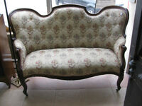 Vintage 1940s Victorian Style Settee, Excellent Condition