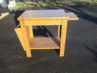 Oak side table with magaine space