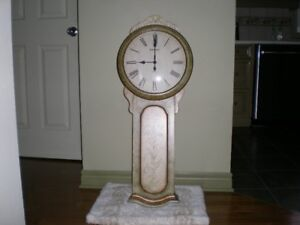 HOWARD MILLER CHIMING QUARTZ WALL CLOCK / HORLOGE MURALE HOWARD