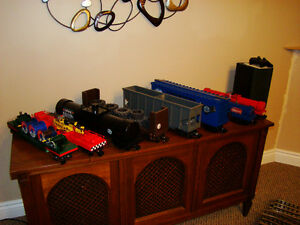 g scale engine  and cars London Ontario image 2
