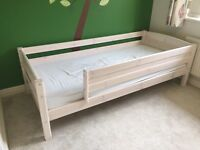 Thuka Trendy 10 - single bed with sides