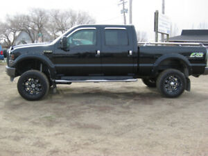 "2009 Ford Super Duty F-250 FX4, 4x4 Lifted 35"" Tires"