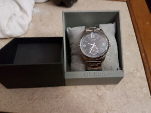 Guess silver tone mens  watch*Brand new*