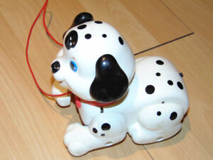 Fisher Price Petit chien / Pull Along Little Puppy Dog