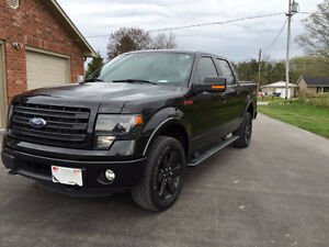 2014 Ford F-150 FX4 (LIKE NEW/Highway kms) Peterborough Peterborough Area image 3