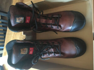 Size 10 Men's Kodiak Workboots - New!