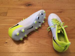 Nike Magista shoes size 6 U.S. soccer cleats, soulier.