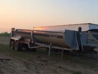 For sale 2000 Load King Gravel trailer