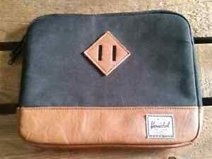 Herschel IPad/Tablet padded carrying case