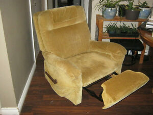 For sale - Vintage yellow reclining chair - great condition $50