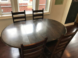 Antique Dining Table, 2 Leaves, 4 Solid-wood Chairs, Seats 4-6
