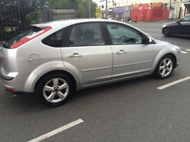 07 Plate Focus 1.6 Zetec Climate, Choice of MET BLUE or SILVER,2Service HistorMot COUNTY CARS