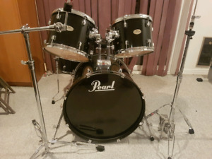 Pearl forum drum set and hardware