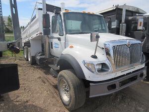 8 Tandem Dump Trucks For Sale – Ready For Immediate Work