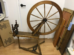 Spinning wheel - antique from Quebec