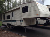 FOR SALE - 1994 IMMACULATE 26 1\2 ft TERRY 5th wheel