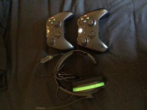 Xbox one 500gb w/ 2 controllers