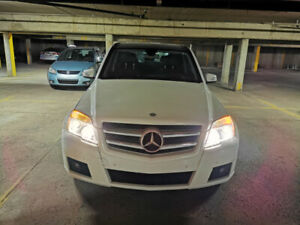 Mercedes-Benz GLK 350 4Matic, 3.5L V6, white, just 136000km
