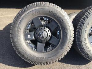 Mags XD KMC Rockstar 18'' monté sur pneu Toyo LT325/65/18