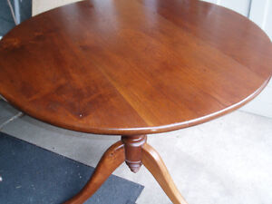 antique parlor table London Ontario image 1