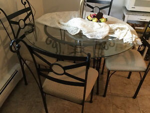 Dinner table with four chais Kitchener / Waterloo Kitchener Area image 2