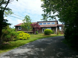 Privacy, Space & Large Outbuilding - Porters Lake area