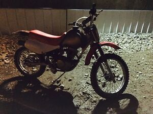 Honda dirt bike, 1,000$ Williams Lake Cariboo Area image 7