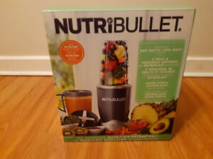 Nutri bullet blender brand new for 60 $