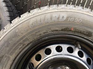 4 pneu hiver à vendre sur roue d'acier