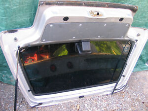 1985-1988 Sprint, Firefly and Forsa rear SOLID hatch Kawartha Lakes Peterborough Area image 3