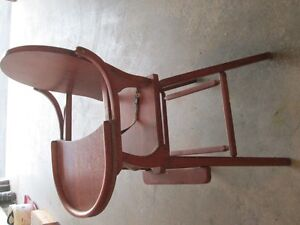 VINTAGE HIGHCHAIR GREAT CONDITION Cornwall Ontario image 2