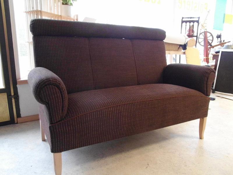 ostfriesensofa k chensofa 2 5 sitzer mit nackenrolle und hohem r cken eur. Black Bedroom Furniture Sets. Home Design Ideas