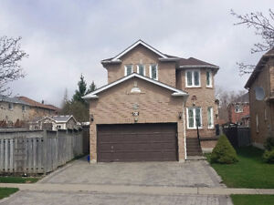 4 BEDROOM RENOVATED DETACHED HOUSE IN R.HILL