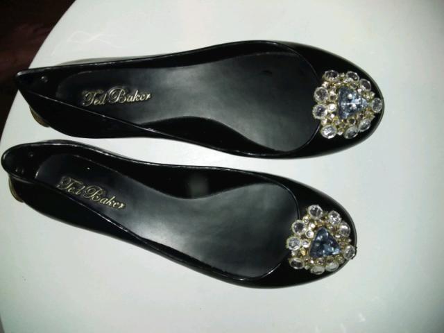 Ted Baker London Embellished Patent Black Flats Women S