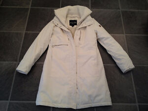 boots/shoes size3/4,5,6(35,36EUR),winter jackets sizeS,youth XXL