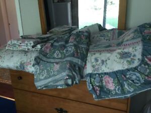 Twin Bed Sheet set, bed skirt, pillow sham, and comforter