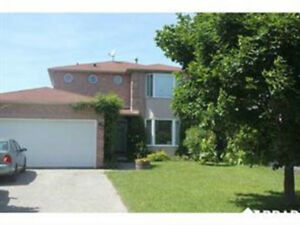 Super Clean Home~North West Barrie