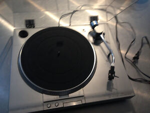 Sony Direct Drive PS-T15 Turntable.
