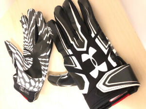 Football Gloves (Under Armour)