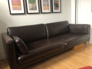 Couch & TV bench for sale (pick up only)